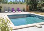 Location vacances Saint-Saturnin-lès-Apt - Four-Bedroom Holiday Home in Saint Saturnin Les Apt-1