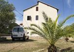 Location vacances Kukljica - Holiday house with a parking space Kukljica, Ugljan - 12093-4