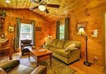 Location vacances Bryson City - 2br Bryson City Cabin on Creek w/ Deck & Hot Tub!-4