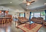 Location vacances Medford - Cozy Home with Yard - 3 Mi to Downtown Medford!-3