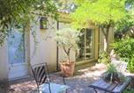 Location vacances Grans - Nice home in Grans with Outdoor swimming pool, Wifi and 3 Bedrooms-3