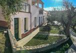 Location vacances  Province d'Imperia - Stunning apartment in Imperia with Outdoor swimming pool and 1 Bedrooms-2