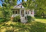 Location vacances Charlestown - Charlestown Home with Porch and Waterfront View!-1