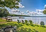 Location vacances Saint-Ignace - Cozy Carp Lake Cottage w/Dock, 4 Kayaks & Fire Pit-2