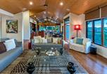 Location vacances Blacks Beach - Iluka Luxury House With Ocean Views On Half Acre With Pool And Two Golf Buggies-2