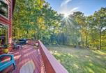 Location vacances Front Royal - Secluded Getaway with Mtn Views, Deck and Fire Pit-2
