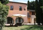 Location vacances Chiusi - Dolciano Villa Sleeps 2 Pool Air Con Wifi-1