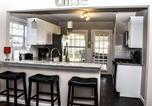Location vacances Burleson - Perfect Cottage Getaway in the Heart of Fort Worth's Cultural District-3