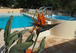 Camping avec Piscine couverte / chauffée Toulon - Camping Domaine De La Cigaliere-1
