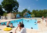 Camping avec Parc aquatique / toboggans Puy de Dôme - Camping Les Loges-1