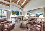 Location vacances South Lake Tahoe - 4 Bd Townhome Near Lake Tahoe Shore with Shared Outdoor Pool & Hot Tub townhouse-1