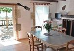 Location vacances  Lot et Garonne - Four-Bedroom Holiday Home in Lavardac-2