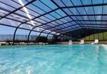 Camping avec Piscine Patornay - Camping La Grappe Fleurie-3