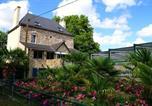 Location vacances  Mayenne - Villa La Petite Couaniere-1