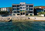 Location vacances Sveti Filip i Jakov - Apartment Sun n' Sea-1