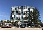 Location vacances Wongawallan - Grand Hotel Apartments Gold Coast by owner-1