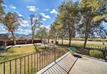 Location vacances Avondale - 1-Acre Farmhouse - 2 Miles to Phoenix Raceway-2