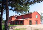 Location vacances  Province de Ravenne - Faenza Apartment Sleeps 8 Pool Wifi-3