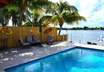 Location vacances Hollywood - Tropical Oasis Private PoolLakehouse-3