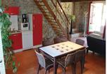 Location vacances Pech-Luna - Seven-Bedroom Holiday home Laurac with a Fireplace 03-4