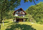 Location vacances Brod Moravice - Three-Bedroom Holiday Home in Brod na Kupi-1