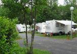 Camping avec Site nature Aydat - Camping Bois de Gravière-1