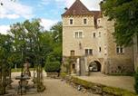 Location vacances Châtel-Censoir - Villa Le Vieux Château-1