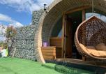 Location vacances Sittingbourne - Brand new Hobbit Style glamping pod with Hot Tub!-4