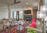 Location vacances Hot Springs - Stylish Downtown Hot Springs Loft w/ 2 Balconies!-3