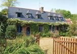 Location vacances Pleumeur-Bodou - Two-Bedroom Holiday Home in Perros Guirec-1