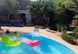 Location vacances  Gard - Gîte cévenol avec Spa et Piscine privatifs-1