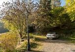 Location vacances  Hautes-Pyrénées - Comfortable farm house Petit Barzun, in the Parc National Pyrenees-3