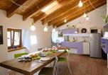 Location vacances  Province de Sondrio - Le stanze del Trenino Rosso-1