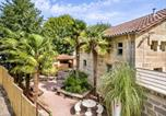 Location vacances  Lot - Spacious mansion in Lacapelle-Marival with heated pool-1