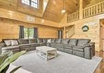 Location vacances Ephrata - Pet-Friendly Clarke Lake Cabin with Deck, Water View-3