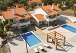 Location vacances Tomar - Wonderful Villa in Ferreira do Zezere with Swimming Pool-1