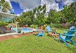 Location vacances Pinellas Park - St. Petersburg Home w/ Tropical Yard & Pool!-2