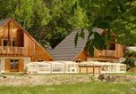 Camping avec Piscine couverte / chauffée Les Vigneaux - Chalet La Lauze-1
