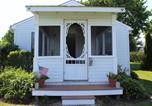 Location vacances Orange - Premier Waterfront Cottage 2-4