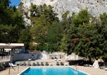 Camping avec Piscine Aups - Camping La Vallée Heureuse-2