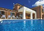 Location vacances Barban - Villa Kanco-3