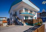 Hôtel Peniche - Peniche Surfcamp Hostel-1