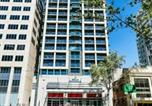 Hôtel Adelaide - Stylish Apt in North Ter & City View & Free Parking-1