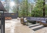 Location vacances Jenner - Forest Hideaway with Wraparound Deck & Firepit home-2