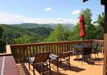 Location vacances Pigeon Forge - Moonshine Cabin-1