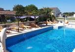 Hôtel Bégadan - La Caleche-1