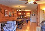 Location vacances Hot Springs - Ski-In and Ski-Out Snowshoe Townhome with Deck and Hot Tub-3