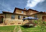 Location vacances Lucignano - Spacious Cottage in Lucignano with Garden-1