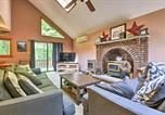 Location vacances Clarks Summit - Peaceful Hamlin Home with Lake Access at The Hideout-4