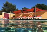 Camping avec Ambiance club Vaucluse - Camping Arc En Ciel-1